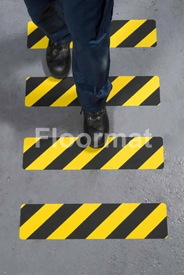 150mmx610mm hazard safety grip straight line walking 2 Floormat.com