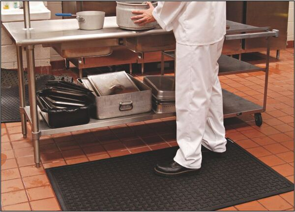 comfort scrape 2 Floormat.com Comfort Scrape has a non-draining surface, yet is light weight and flexible for easy handling and cleaning. This mat is welding safe as well as being static dissipative. It is grease and oil proof and chemical resistant. It is recommended for kitchen and industrial applications. <ul> <li>High density closed cell Nitrile rubber cushion has 15% recycled content</li> <li>Comfort Scrape with Grit, Product (#4300) has an added aggressive silicon carbide anti-slip top surface</li> <li>Beveled edges for safe transition from mat to floor</li> </ul>