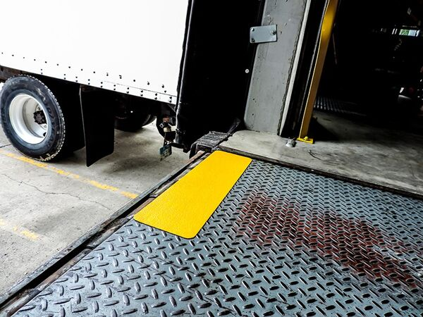 floormat extreme step tread 4 Floormat.com Made with a proprietary formula, Floormat.com's Extreme tapes & treads are specifically designed to out-perform standard anti-slip tapes. Multi-climate durable design is ideal for demanding applications where safety is a must. <ul> <li>Offshore marine applications, oil and gas rigs, heavy traffic areas, work areas loading docks, stairways, ramps, walkways, bleachers, and heavy equipment.</li> <li>Extreme Tapes & Treads are Floormat.com's strongest anti-slip products. From offshore construction and marine applications to the the transportation industry, this product is specially designed pressure sensitive adhesive material is capable of preventing slips, trips, and falls in the roughest environments.</li> </ul>