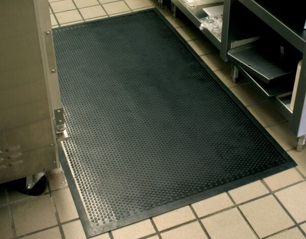 safety scrape 2 Floormat.com This indoor/outdoor slip-resistant safety mat has a molded grip-surface that effectively scrapes tough dirt and grime off shoes and provides an excellent anti-slip surface. The mat is UV stable and available in a cleated backing. <ul> <li>Durable Nitrile Rubber construction</li> <li>Earth-friendly with 20% recycled rubber content</li> <li>Recommended for use in locker rooms, outside of entrances and grocery store produce areas</li> </ul>