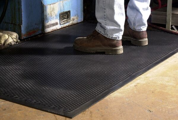 saftey scrape 1 Floormat.com This indoor/outdoor slip-resistant safety mat has a molded grip-surface that effectively scrapes tough dirt and grime off shoes and provides an excellent anti-slip surface. The mat is UV stable and available in a cleated backing. <ul> <li>Durable Nitrile Rubber construction</li> <li>Earth-friendly with 20% recycled rubber content</li> <li>Recommended for use in locker rooms, outside of entrances and grocery store produce areas</li> </ul>
