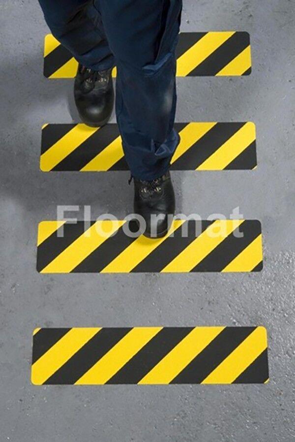 150mmx610mm hazard safety grip straight line walking 2 Floormat.com