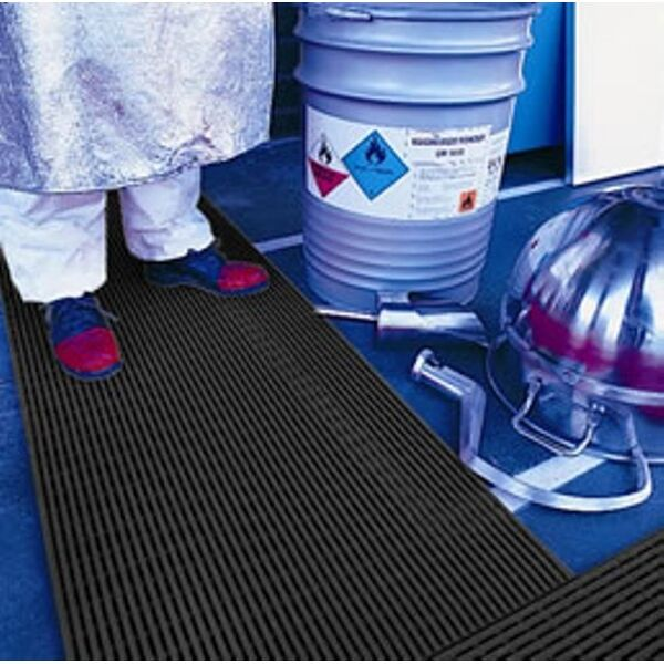 Ergorunner 2 Floormat.com Economical, slip-resistant, anti-fatigue matting for areas with water or where slips occur. Unique tubular design is effective and long-lasting. <ul> <li>Open grid drainage.</li> <li>Chemical and oil-resistant</li> <li>Easy to clean with mild household detergent Easy to roll up and store/li> <li>Common Uses– light industrial applications, shop and canteen counters, packing lines, warehouses.</li> </ul>