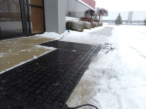 Outdoor Heated Mats